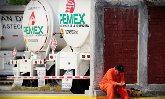 Pemex, en difícil situación económica, promete pago a contratistas Por EL  CEO