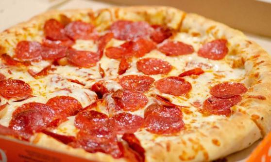 poliza pizza bitcoin